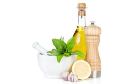 salad-dressing-ingredients-lemon-olive-oil