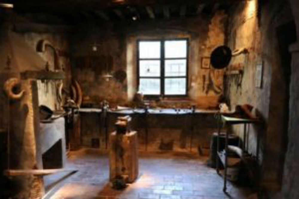 Scarperia's Ancient Knife-Making Tradition