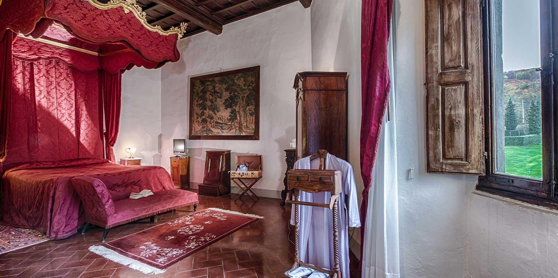 Camere in stile rinascimentale di Villa Campestri Olive Oil Resort