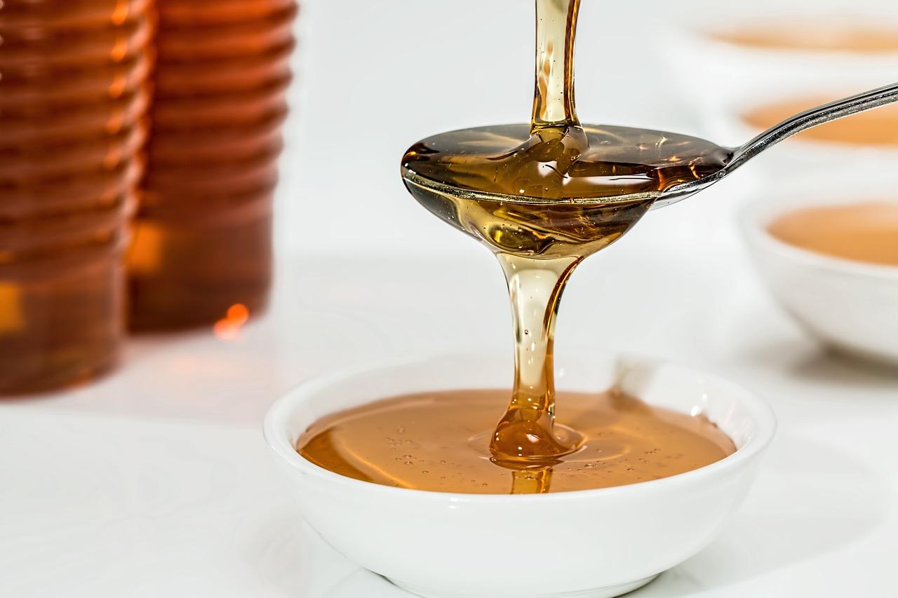 Come degustare il miele di Villa Campestri Olive Oil Resort