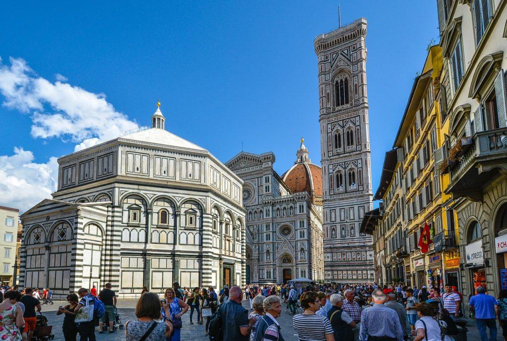 Le più belle piazze di Firenze con Villa Campestri Olive Oil Resort