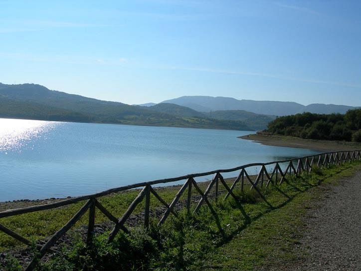 I laghi per la pesca sportiva nel Mugello con Villa Campestri Olive Oil Resort